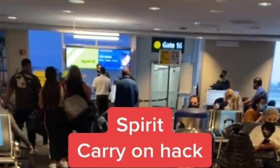 'Kết đắng' cho khách sử dụng chiêu trò với hãng bay