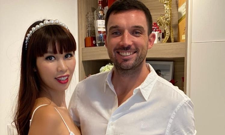 Chồng Tây tổ chức sinh nhật cho Hà Anh