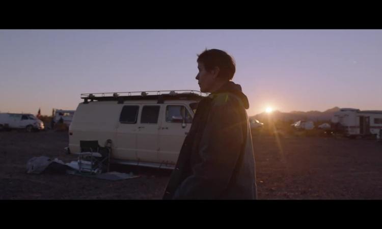 trailer-nomadland-phim-thang-su-tu-vang-2020-1599978402.jpg?w=750&h=450&q=100&dpr=1&fit=crop&s=vXPk1gNFA6_d8Pdupwzy0w