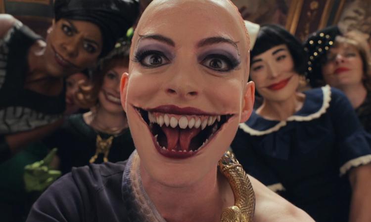 Tạo hình phù thủy của Anne Hathaway trong