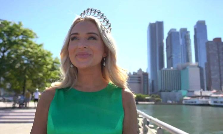 Người đẹp 26 tuổi đăng quang Hoa hậu Thế giới Mỹ 2020
