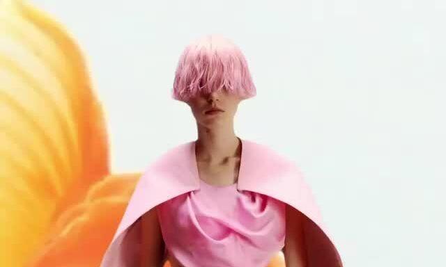 Xu hướng trang điểm ở Paris Fashion Week