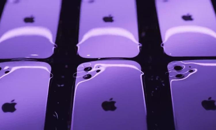 Người Trung Quốc phát cuồng với iPhone 12 màu tím