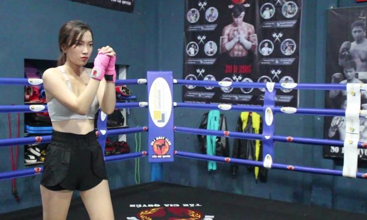 Cô gái Sài Gòn sở hữu vòng eo con kiến nhờ khổ luyện Muay Thái