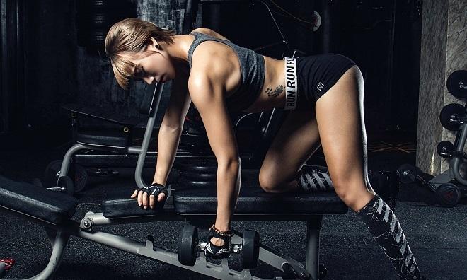 Từ cô bé viêm phổi trở thành vận động viên thể hình