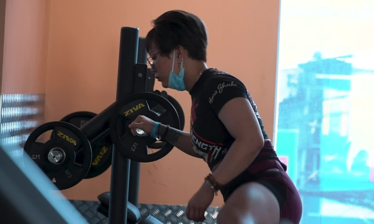 Clip cô gái 85 kg
