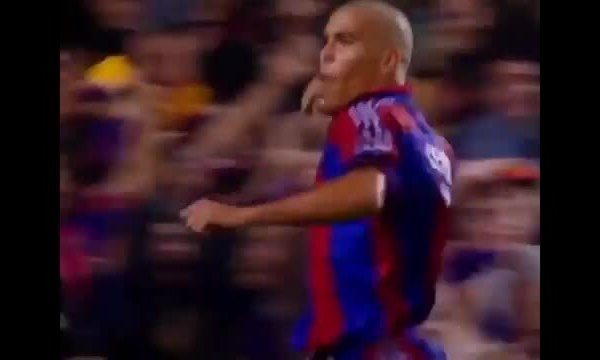 Ronaldo ghi bàn trong trận thắng Valencia