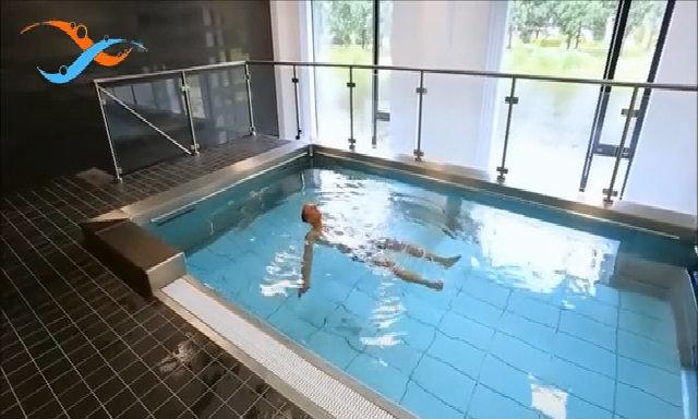 Bể bơi ngầm có gắn thiết bị massage