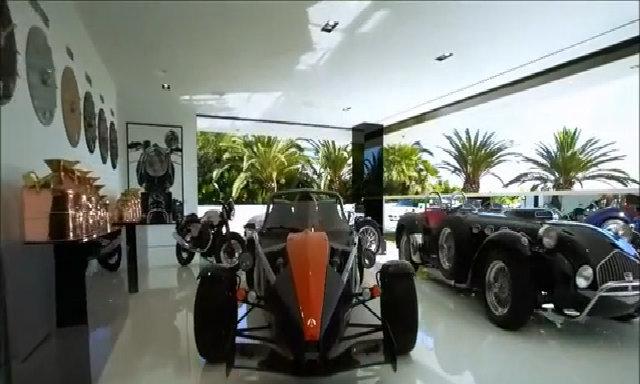 Garage của ngôi nhà đắt nhất nước Mỹ