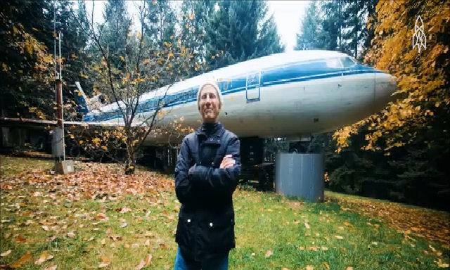 Người đàn ông biến máy bay Boeing thành nhà ở