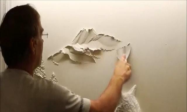 Nghệ sĩ làm đẹp cho tường bằng thìa, cọng rơm