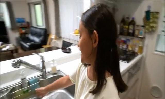 Nhà bếp nhỏ nhưng không đủ mọi tiện nghi của người Nhật