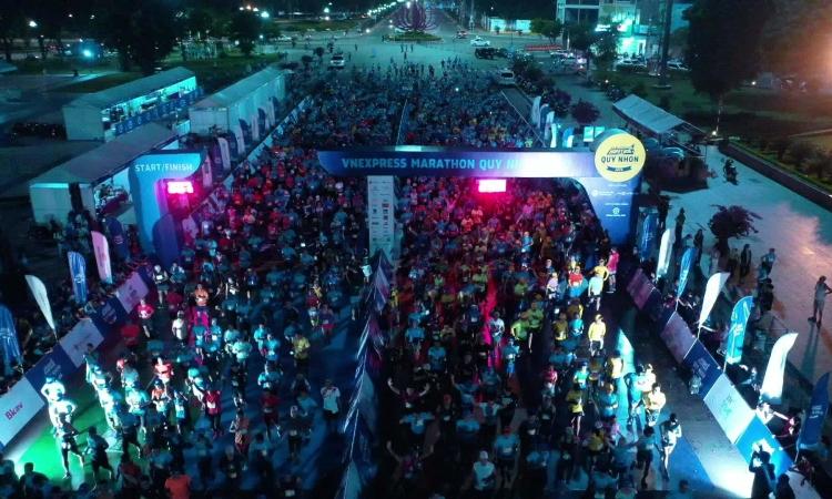 Xuất phát 21 km flycam VNE Marathon 2020