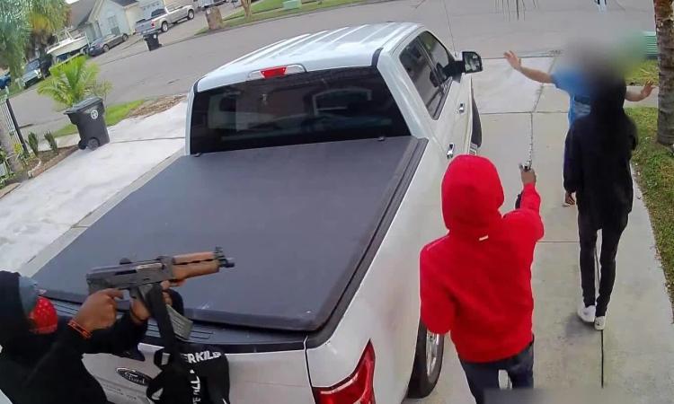 Người Mỹ gốcViệt bị cướp ôtô giữa ban ngày