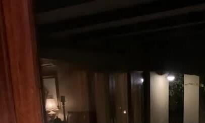 Linh cẩu ngoạm chết linh dương trước mặt du khách