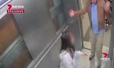 Viên cảnh sát Australia sàm sỡ bé gái trong thang máy