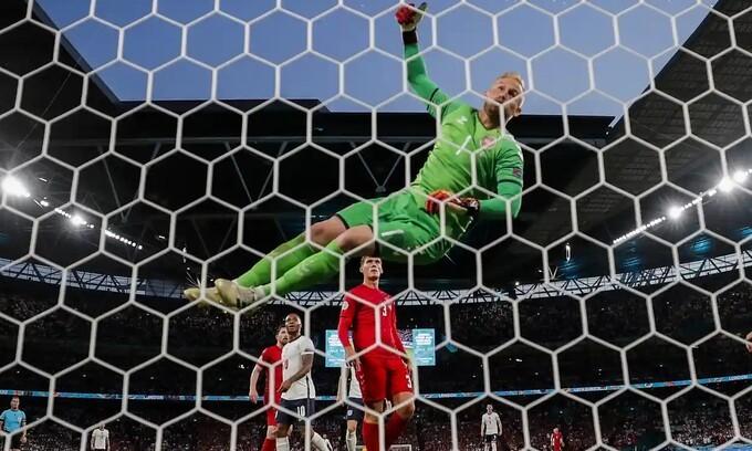 Anh 2-1 Đan Mạch
