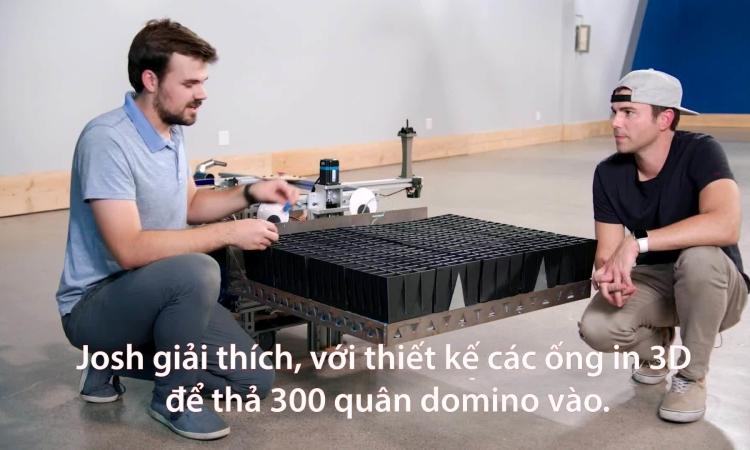 Cựu kỹ sư NASA chế tạo robot xếp domino lập kỷ lục thế giới