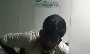Mắc kẹt trong máy ATM khi đang trộm tiền